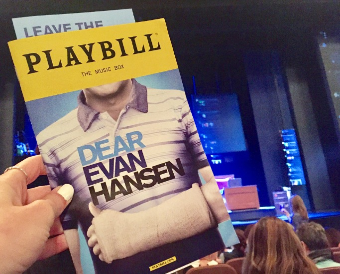 Dear+Evan+Hansen+Playbill+at+the+Music+Box+Theatre%2C+New+York+City+on+November+4.+The+stage+is+set+on+Evan+Hansen%27s+bedroom+and+screens+displaying+various+social+media+sites+update+every+second.+