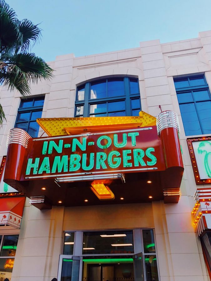 Eating+in+style.+While+visiting+the+West+Coast%2C+it+is+crucial+to+have+lunch+at+the+infamous+In-N-Out+Burger.+In-N-Out+burger+is+exclusive+to+the+West+Coast+only.+The+most+eastern+location+is+in+Dallas%2C+Texas.+