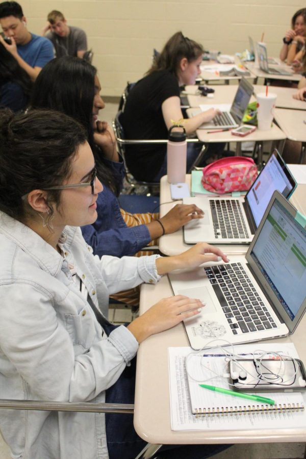 Participating in internet courses. Students are swarming to take online courses. Online classes help you create flexibility in your schedule or help get pre-requirements for other courses.