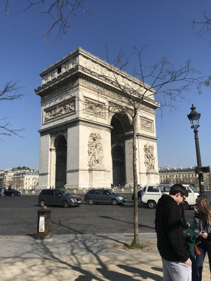 Arc+de+Triomphe.+This+famous+landmark+is+one+of+the+most+popular+tourist+sites+of+Paris.+It+represents+an+important+part+of+the+history+of+the+country.++