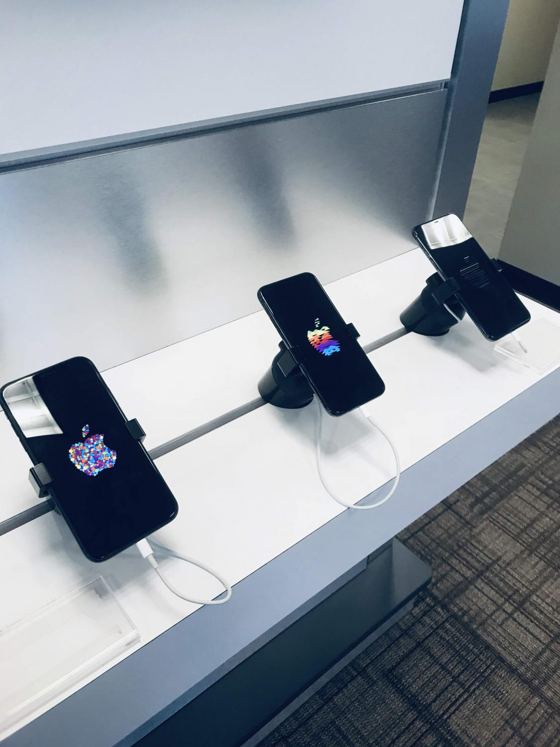 Apple does it again. At Verizon in the collection, the newest models of the iPhone are on display. Apple has made great improvements from the iPhone X. including updated Face ID features and improved wipe up bar.